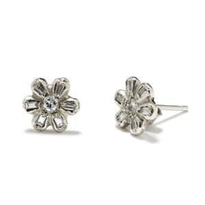 platinum-daisy-studs